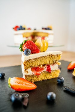 Tonka & Fruits Cake