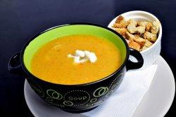 Supa crema de conopida și broccoli cu crutoane