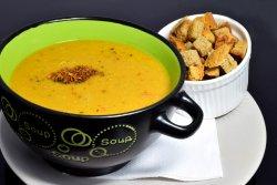Supa crema de linte cu crutoane