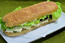 Sandwich cu tofu