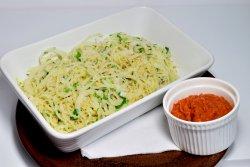 Spaghetti din gulii cu sos