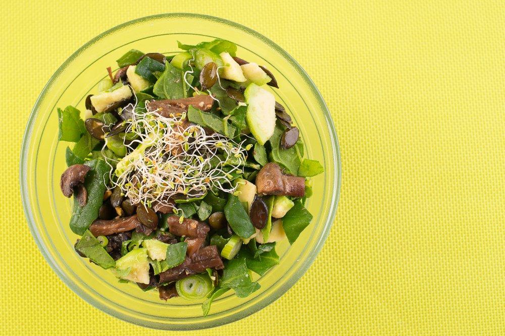 Salata de spanac crud