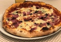 Pizza Gorgonzola-Speck