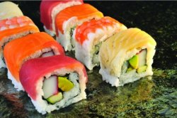 Rainbow maki 8 pieces