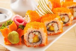 Tobiko California maki 6 pieces
